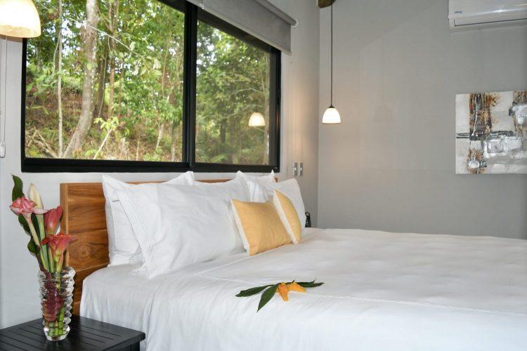 Villa Tropical Bedroom